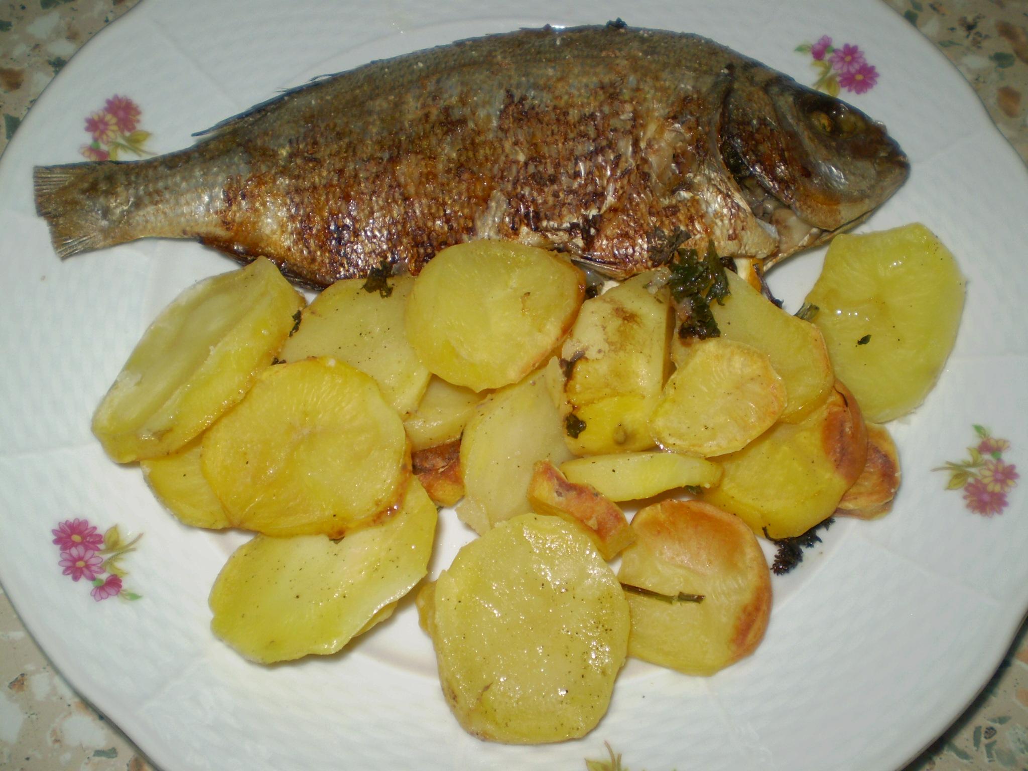 Pražma s pečenými brambory