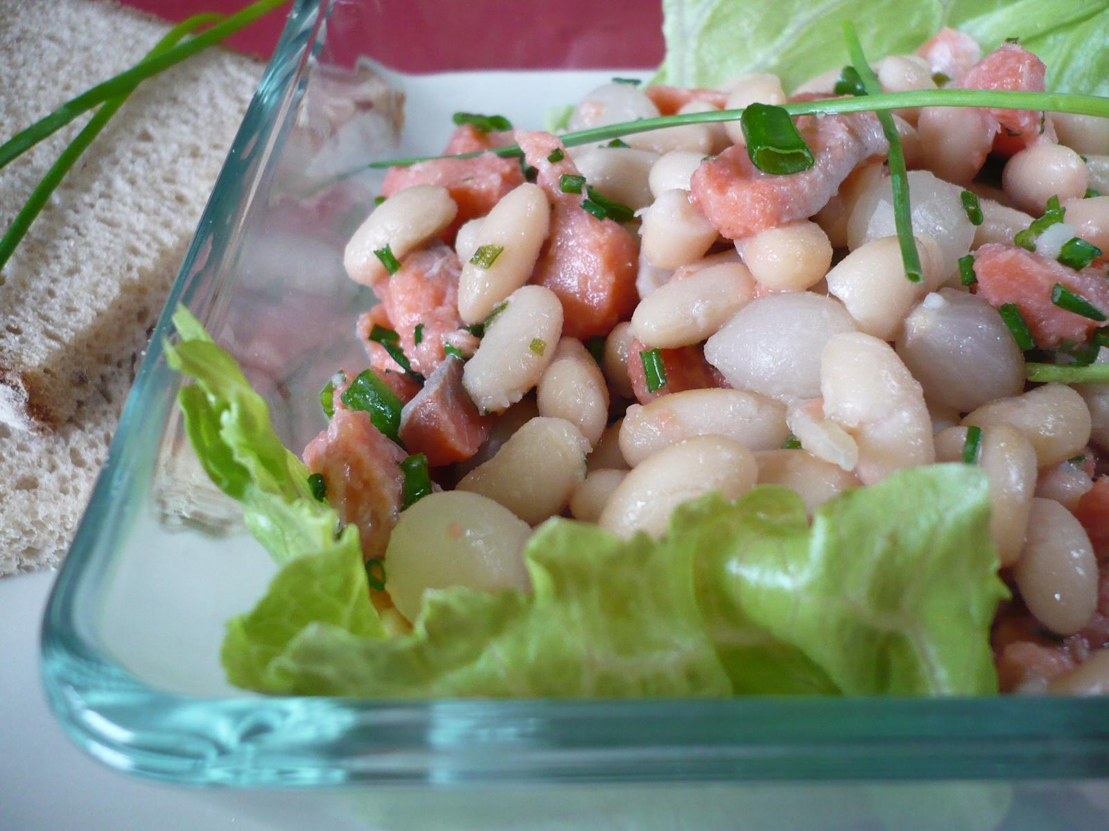 Salát z matjesů a fazolí