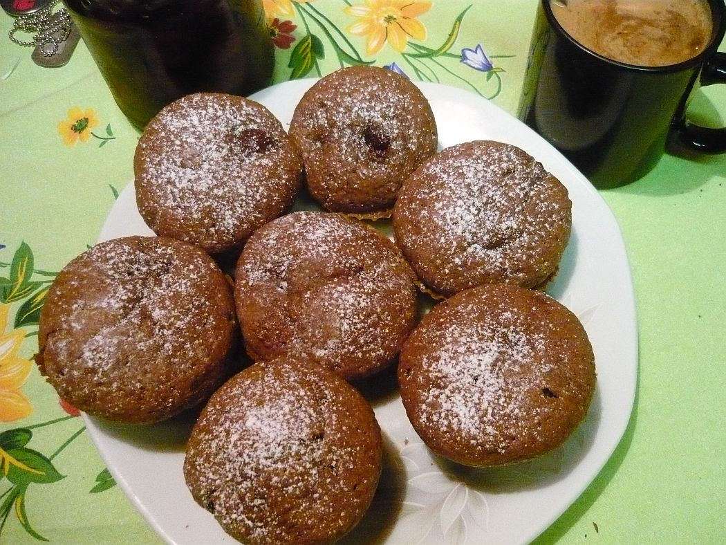 Čokoládové muffiny s višněmi