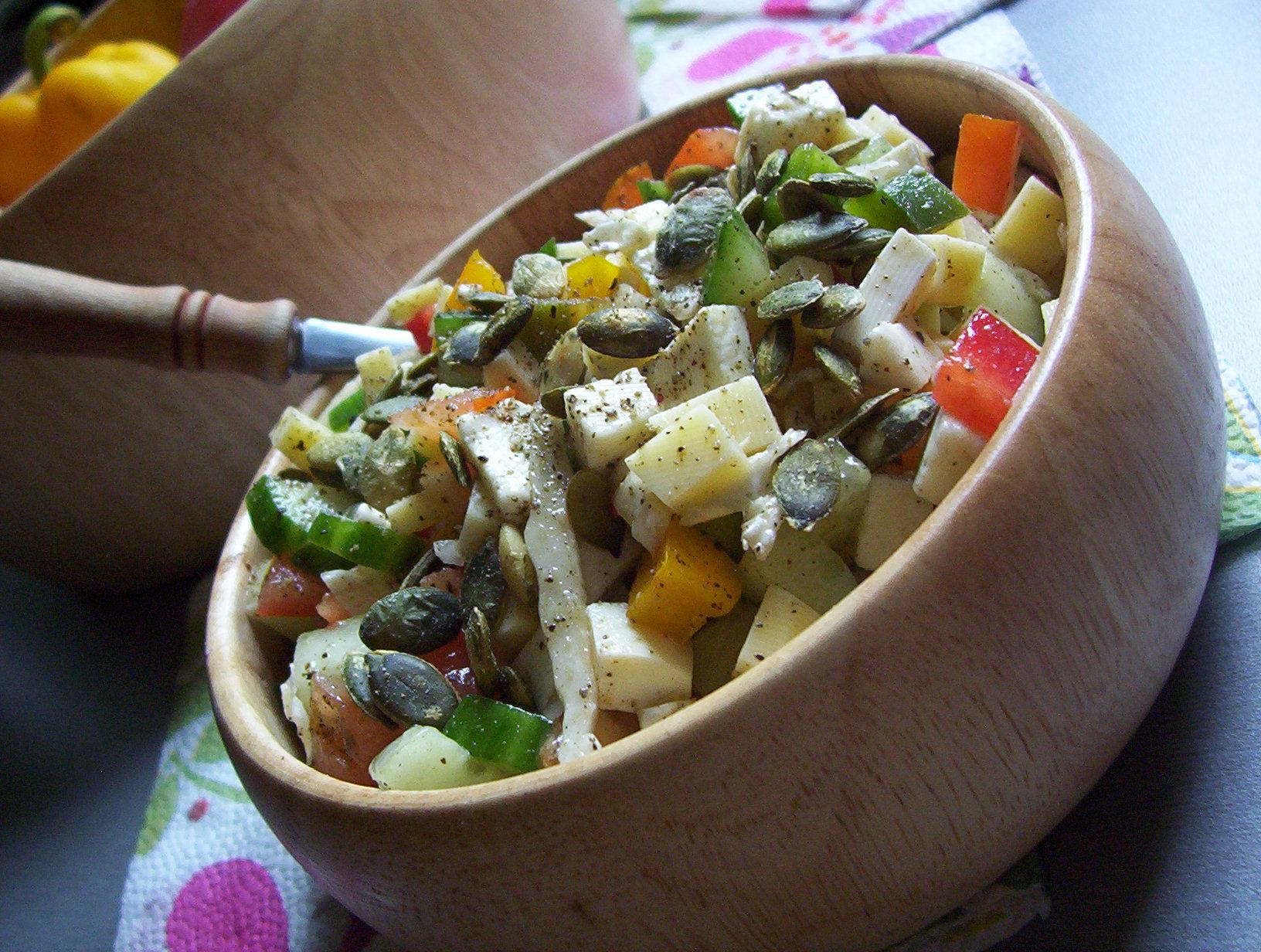 Zeleninovo-sýrový salát