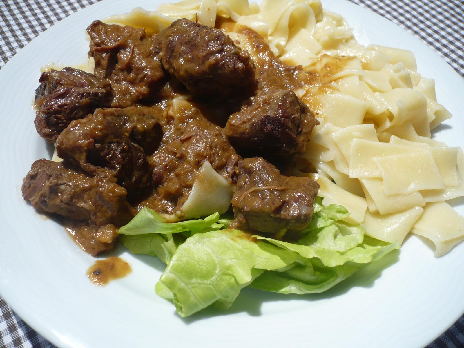 Fotografie receptu: Dušené hovězí maso na víně