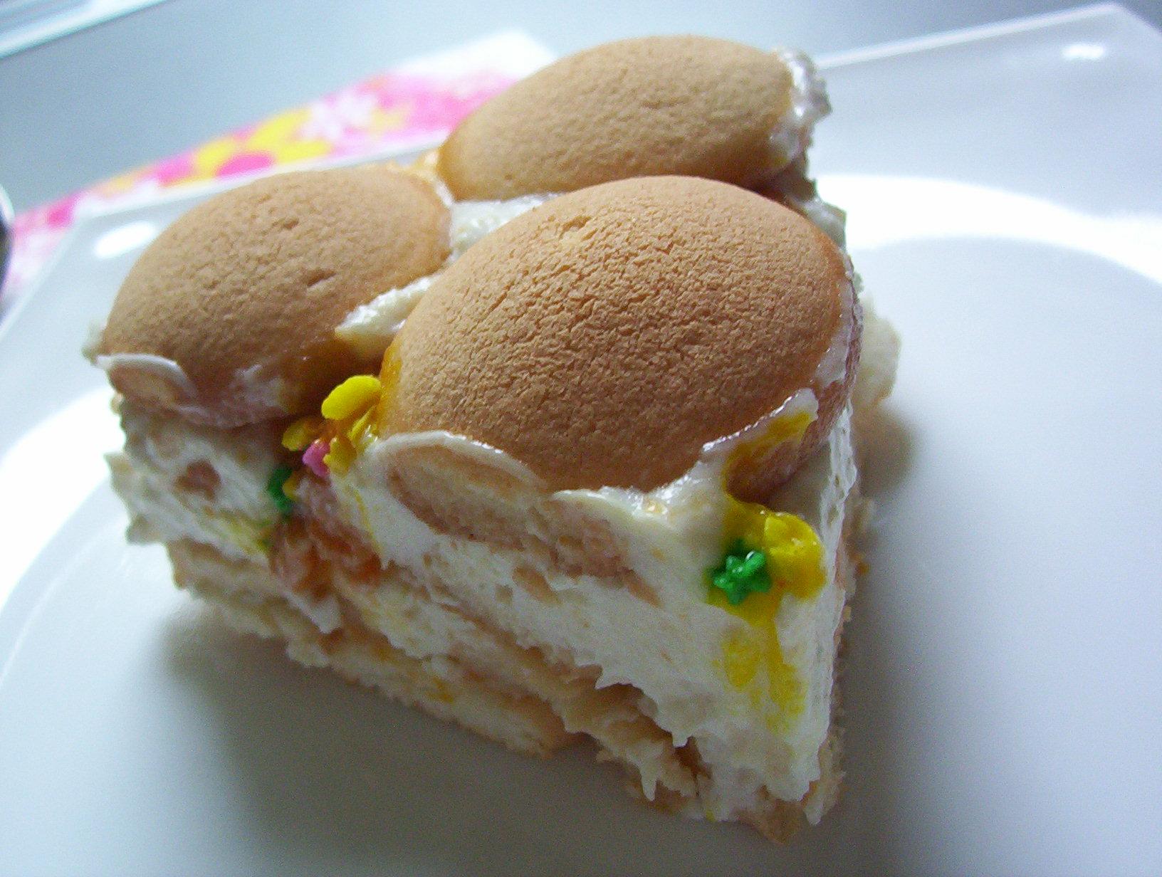Mléčný piškotový dort