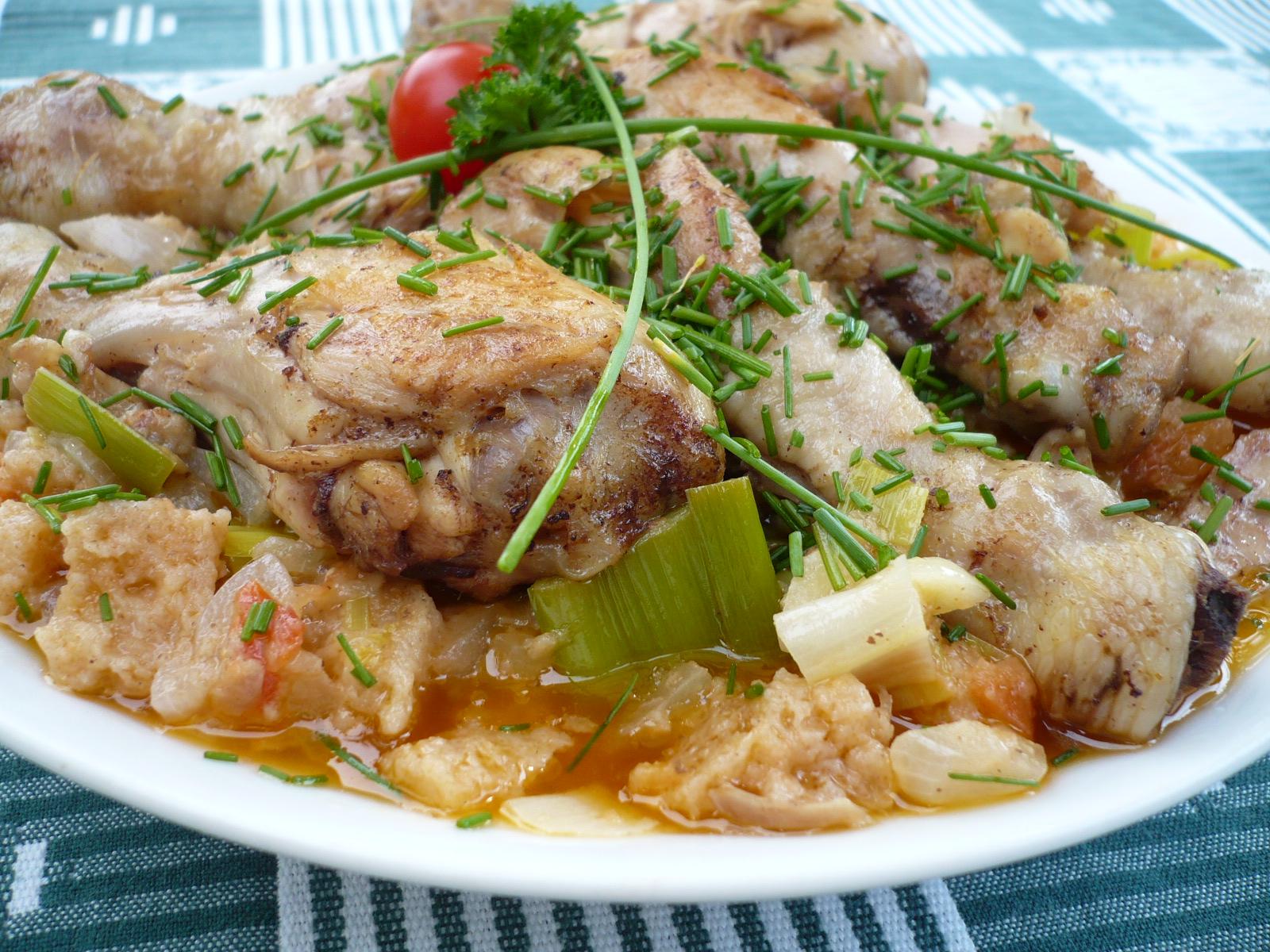 Kuřecí stehýnka v zelenině