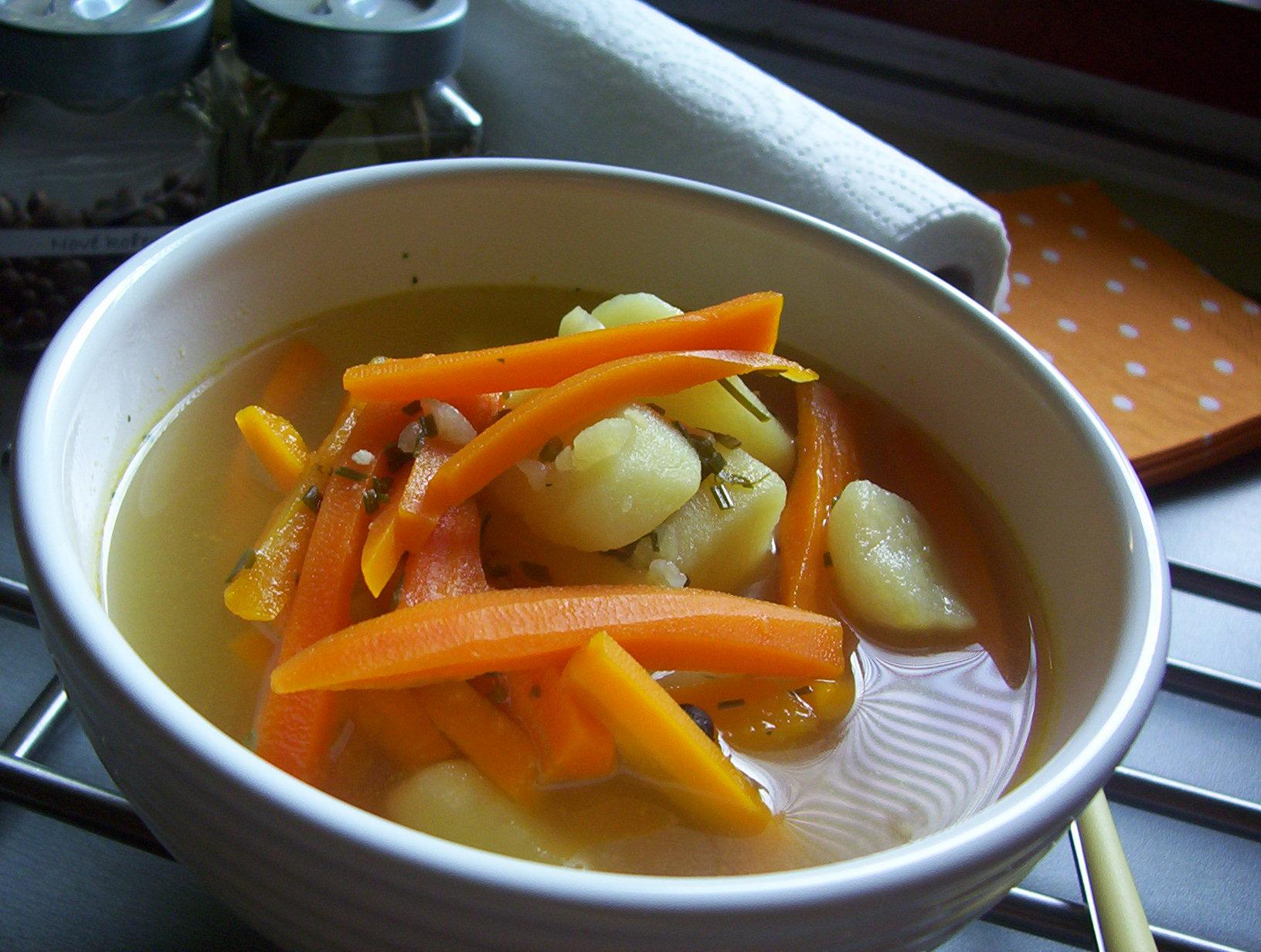 Česneková polévka s mrkví