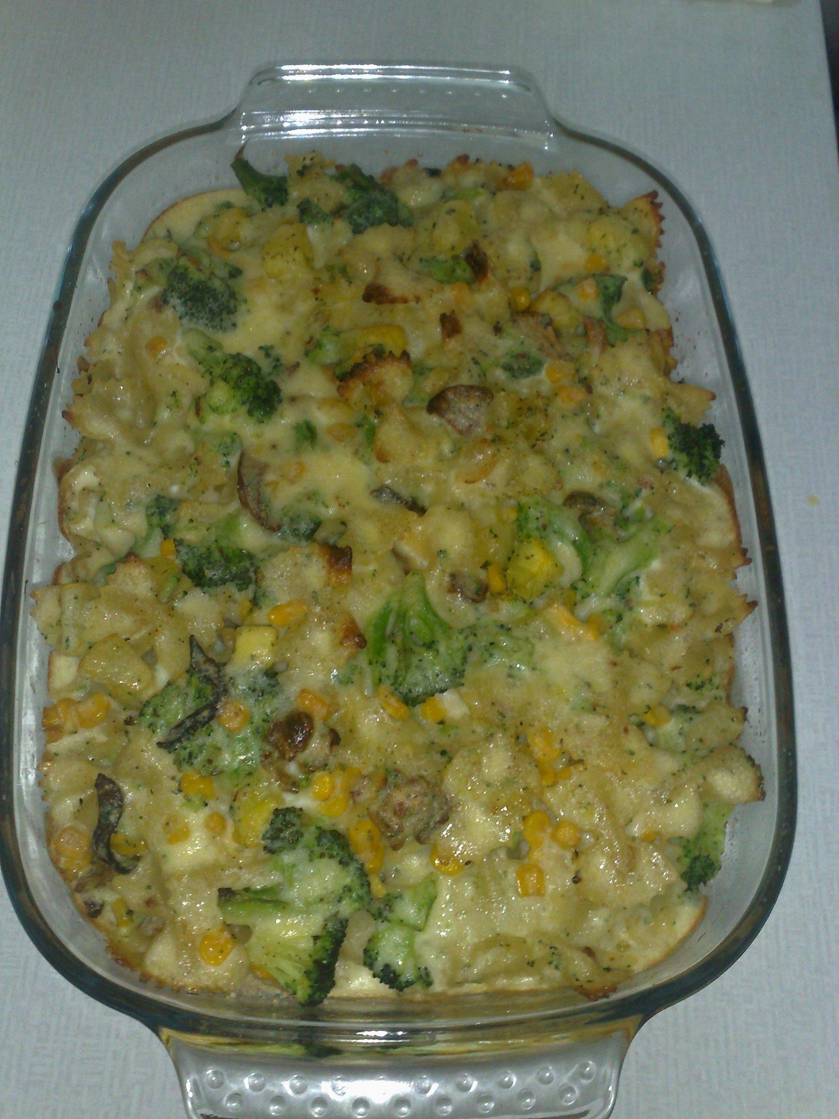 Zapečené těstoviny s brokolicí a cuketou