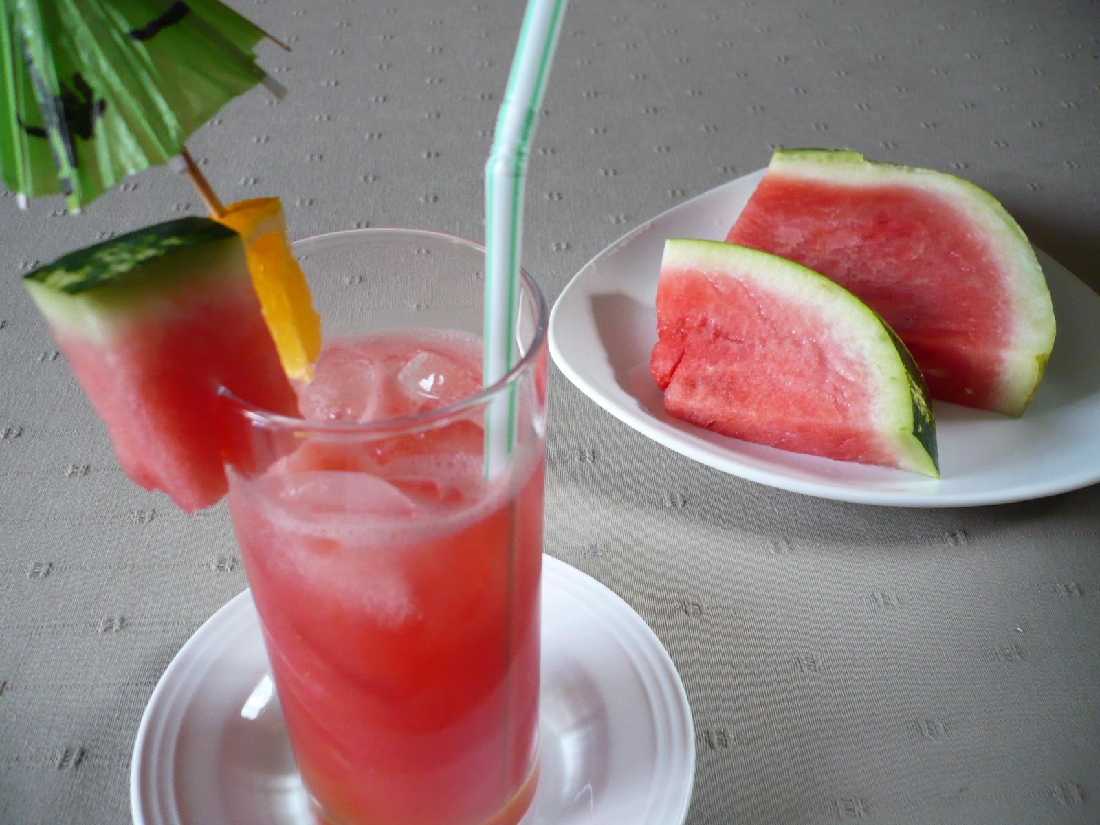 Melounový osvěžující nápoj