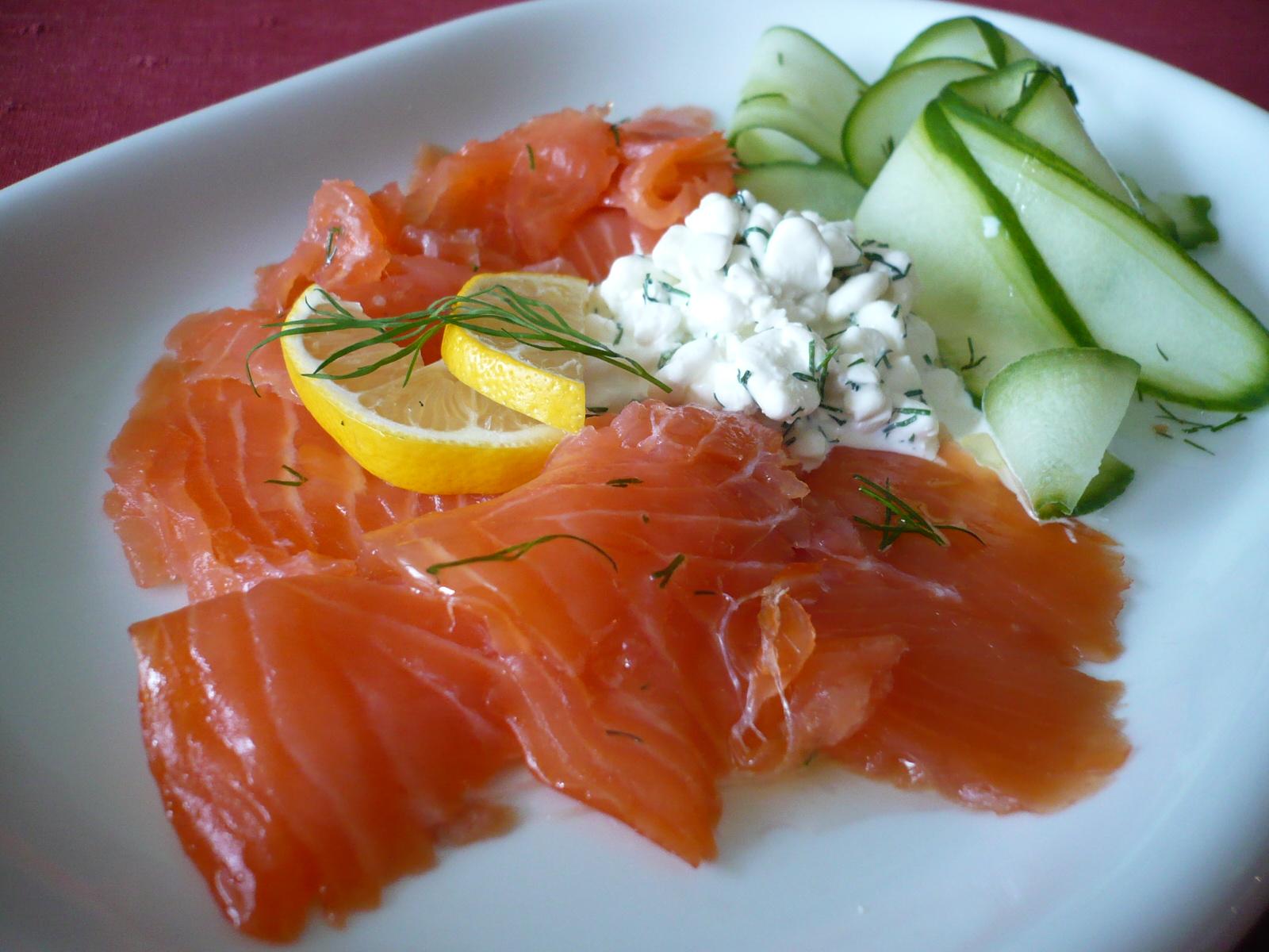 Fotografie receptu: Uzený losos se zálivkou