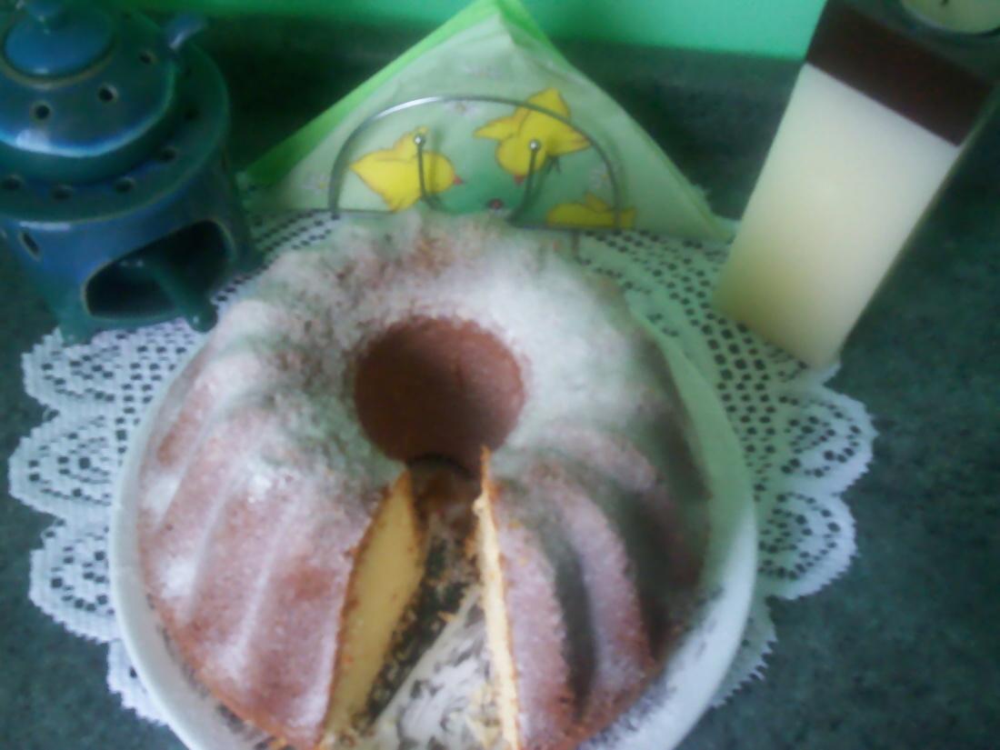 Hrnková kokosová bábovka