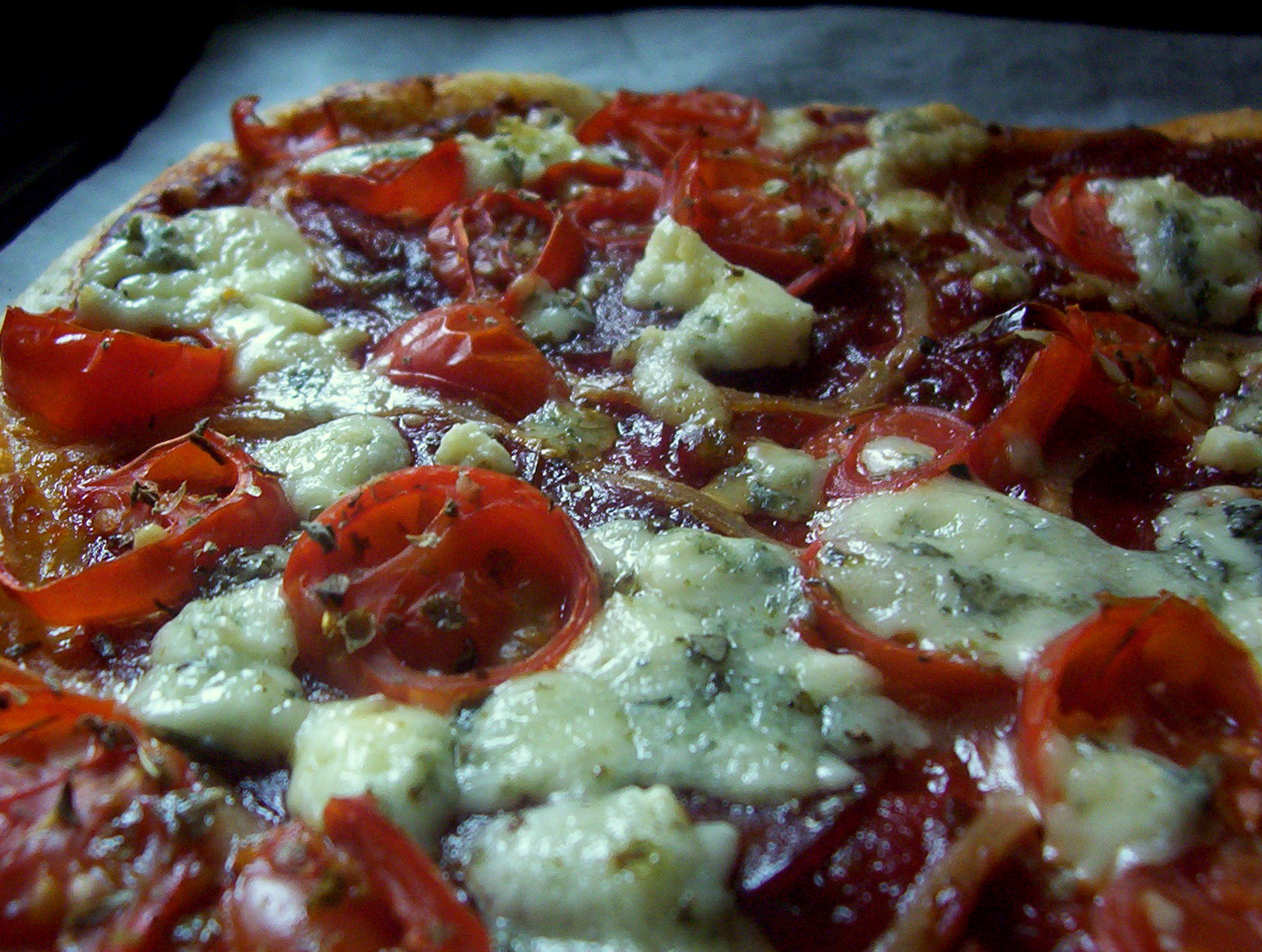 Rychlá pizza s rajčaty