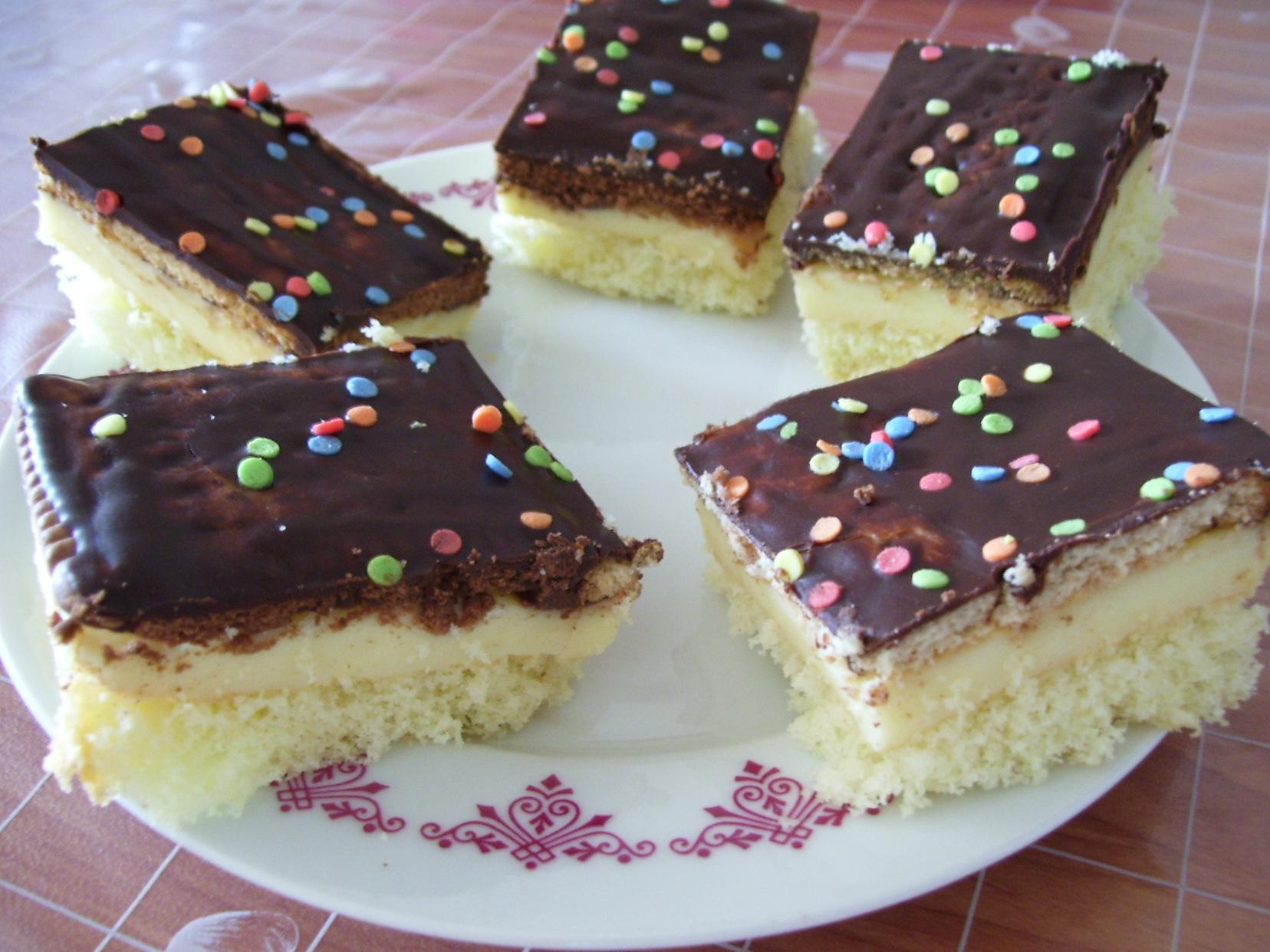 Fotografie receptu: Řezy s Be-Be sušenkami