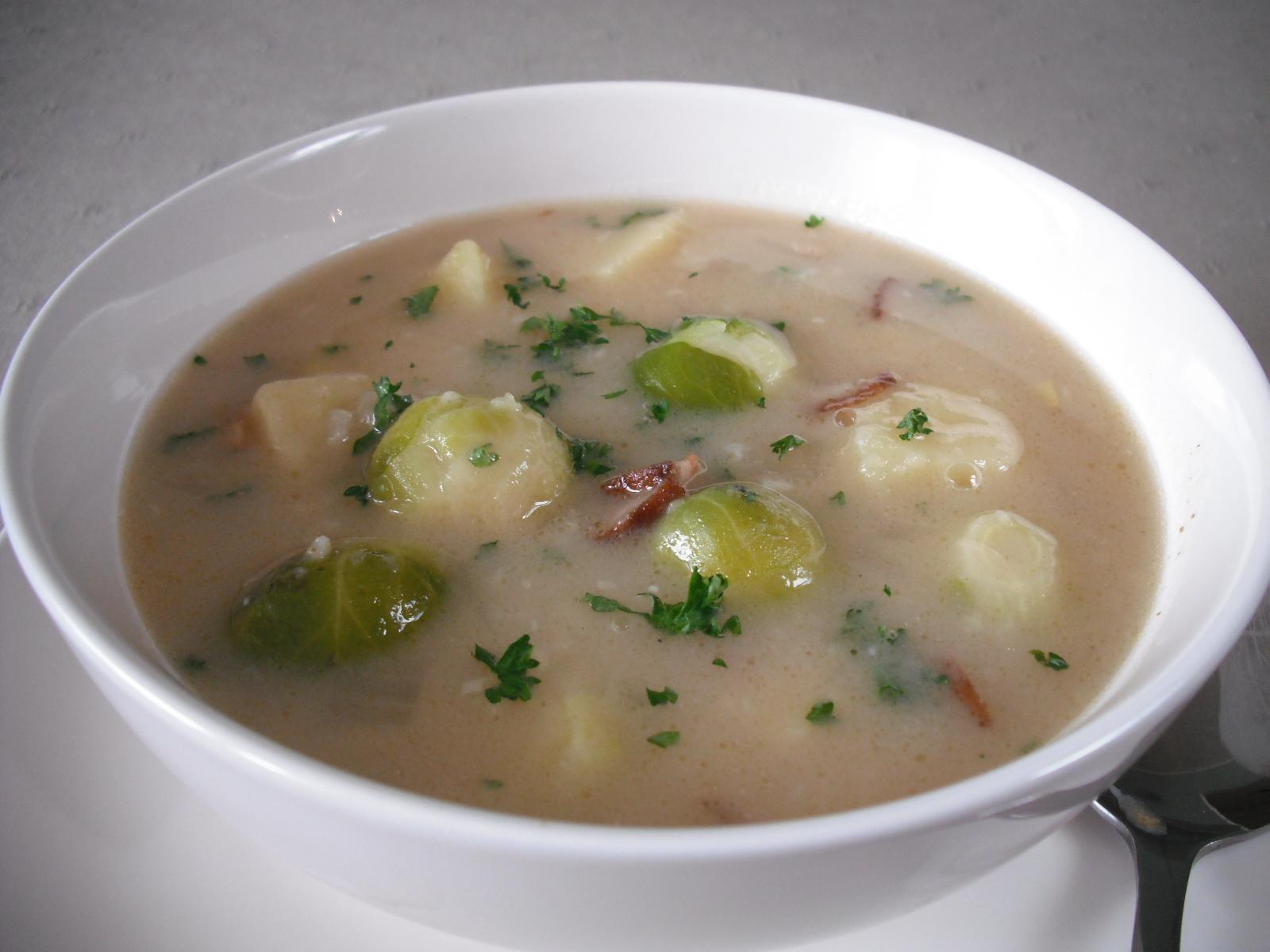 Bramborová polévka s kapustičkami