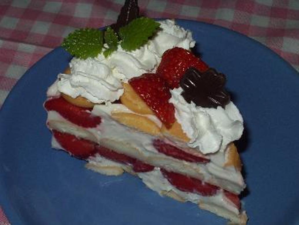 Nepečený dort s kompotem