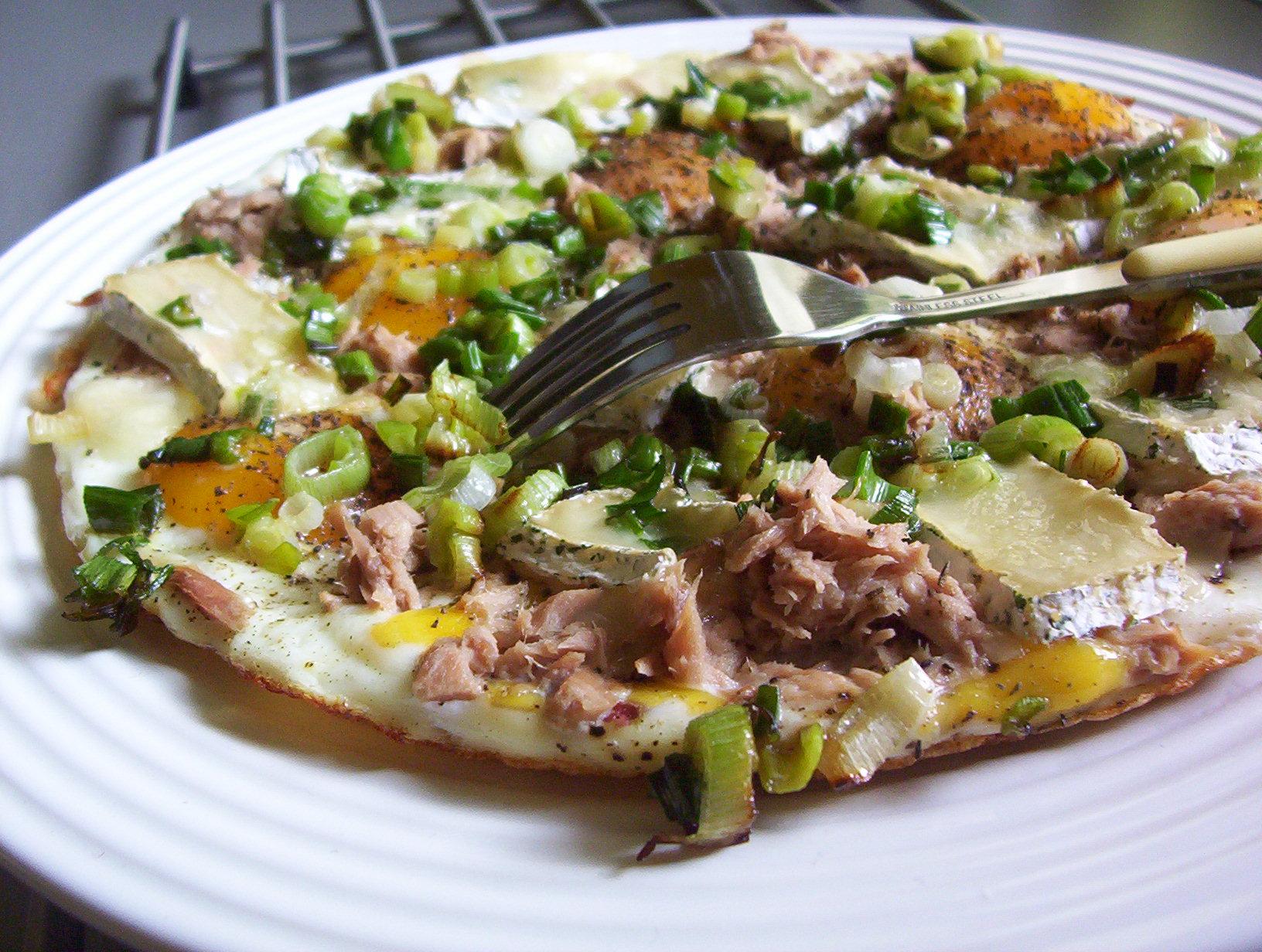Vaječná omeleta s tuňákem