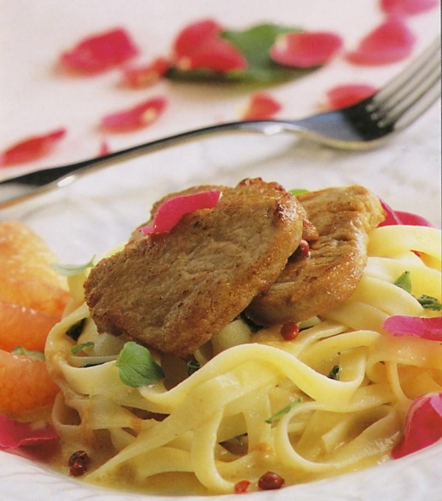 Fotografie receptu: Fettuccine s telecím a grapefruitem