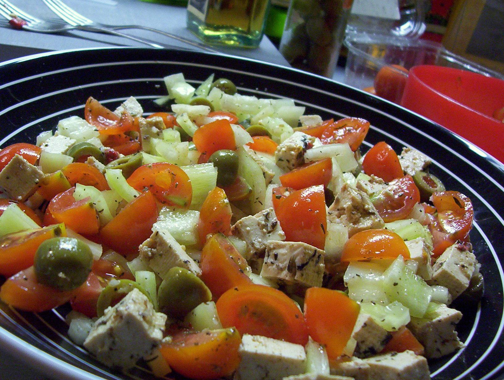 Olivový salát s tofu