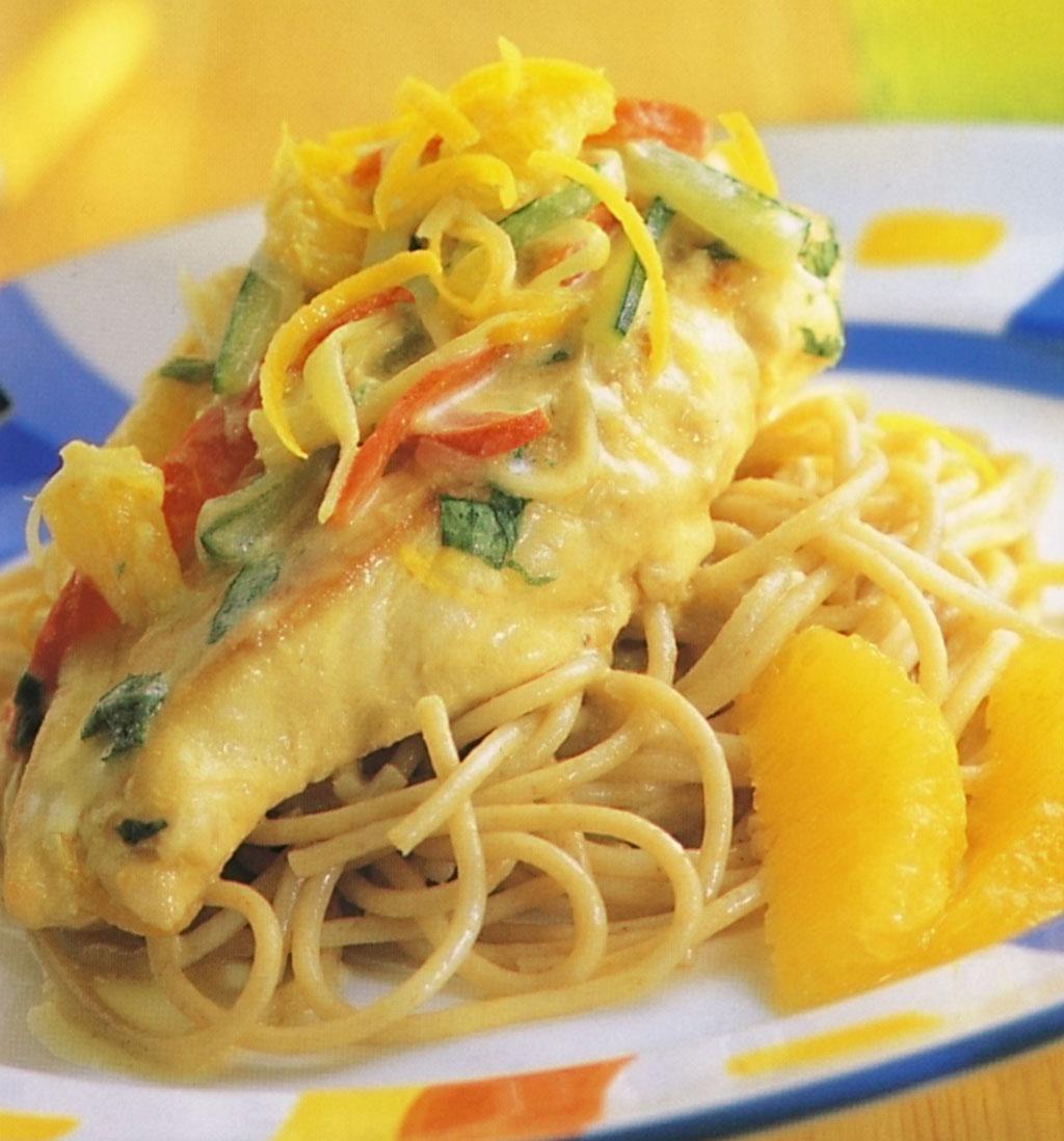 Celozrnné špagety s kuřecím a pomeranči