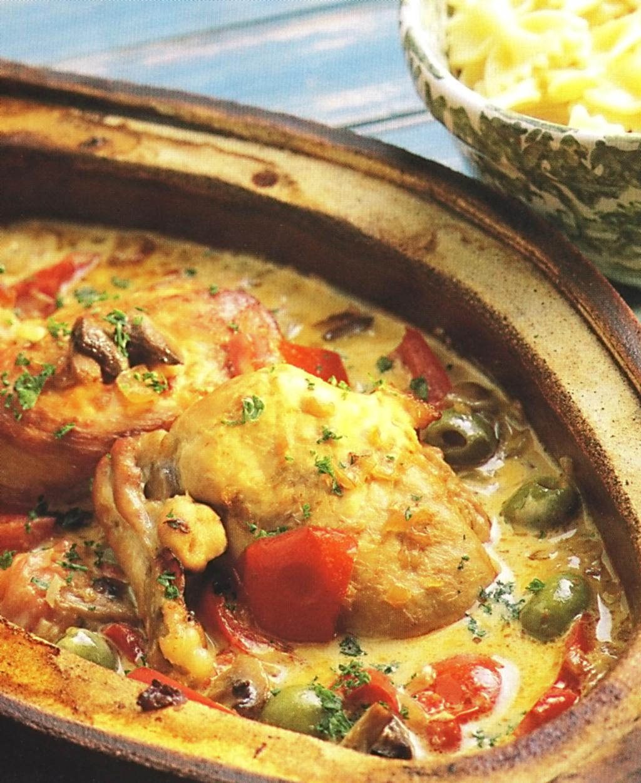 Kuře se zeleninou a těstovinami