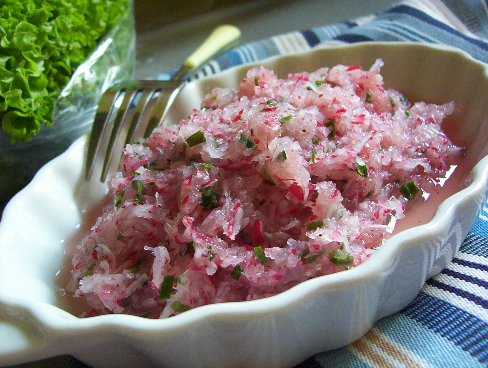 Pikantní ředkvičkový salát
