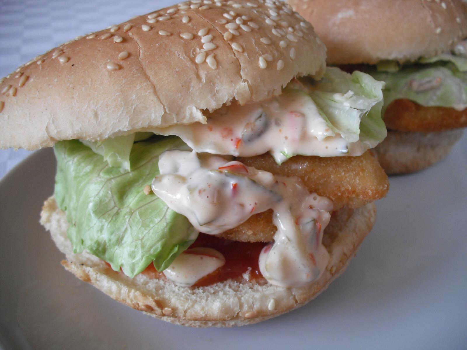Domácí rybí hamburger