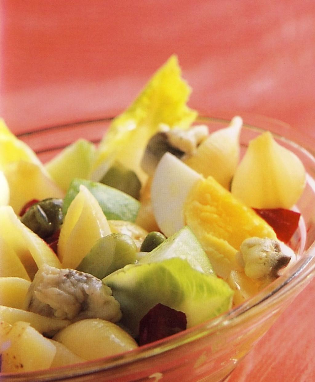Těstovinový salát se sledi