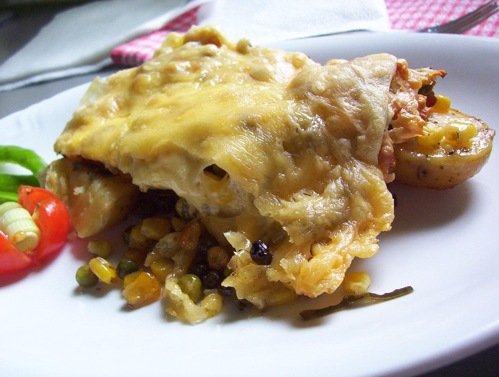 Gratinované brambory s kukuřicí a hráškem