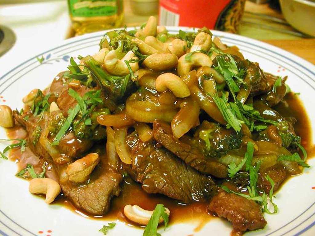 Fotografie receptu: Hovězí svíčková s kešu oříšky