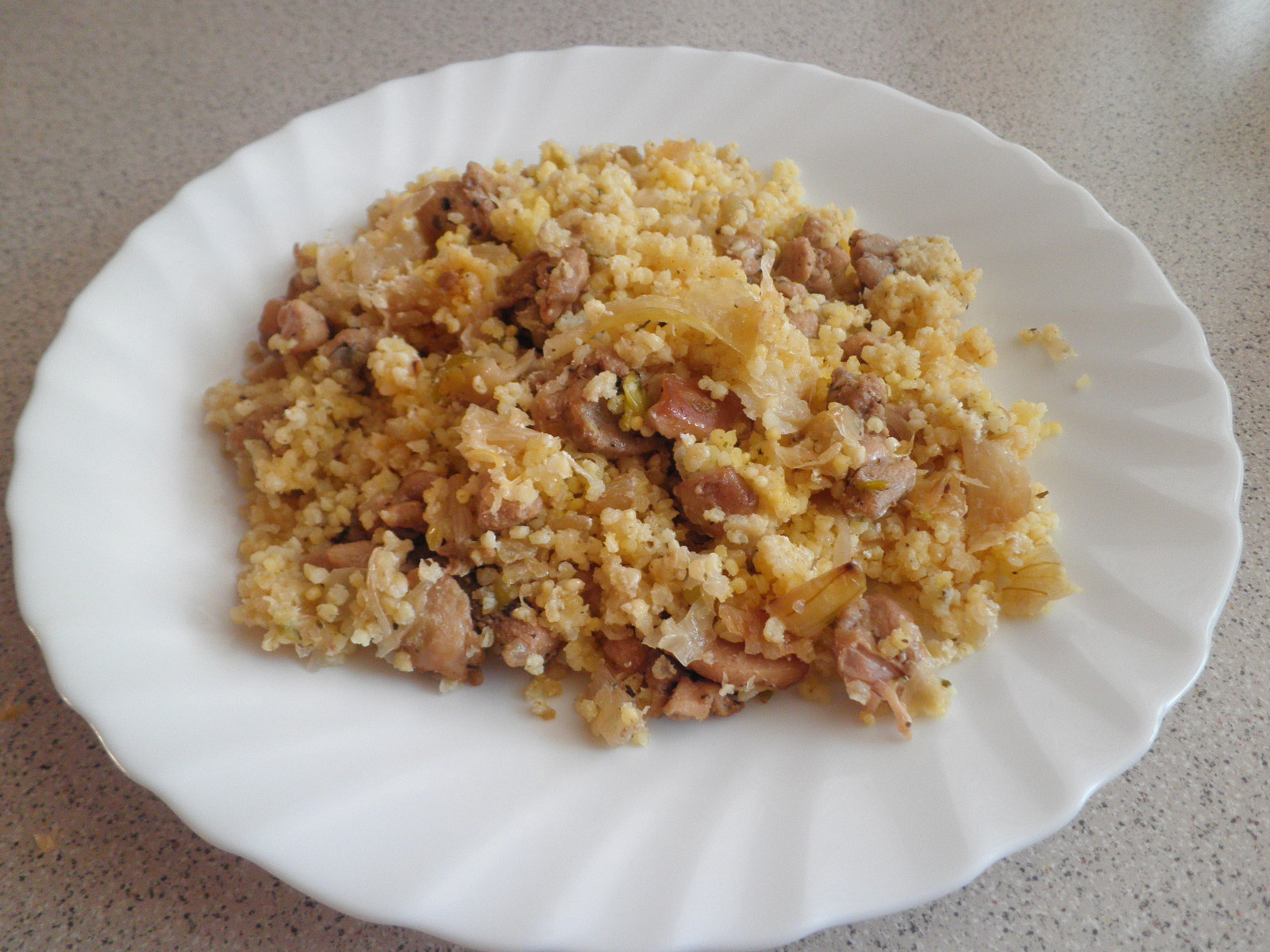 Fotografie receptu: Jáhly s kysaným zelím a kuřecím masem