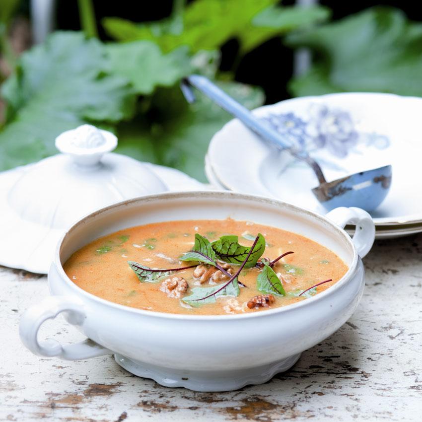 Fotografie receptu: Hustá cizrnovo-bramborová polévka s mangoldem