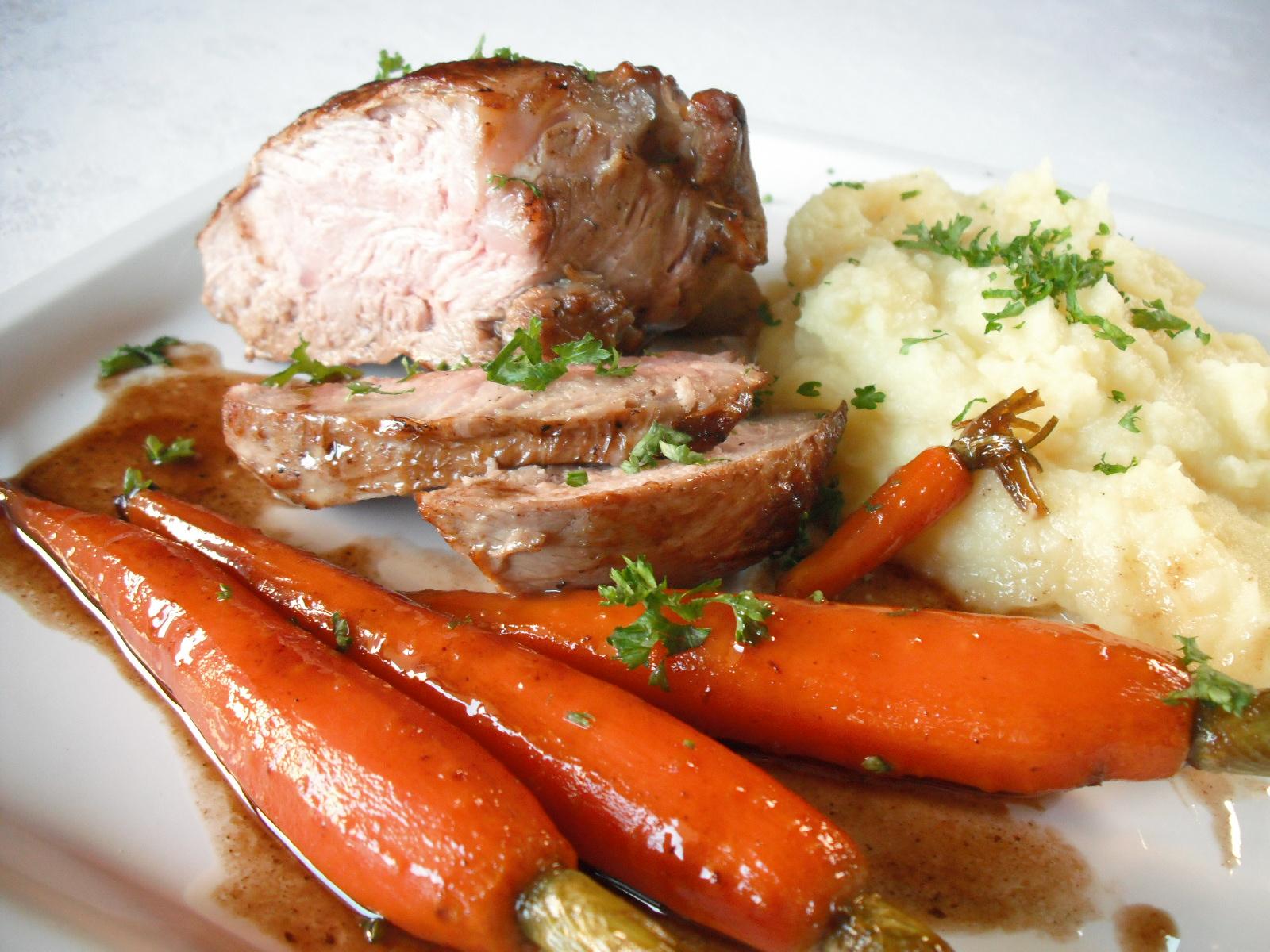 Telecí steak s glazovanou karotkou