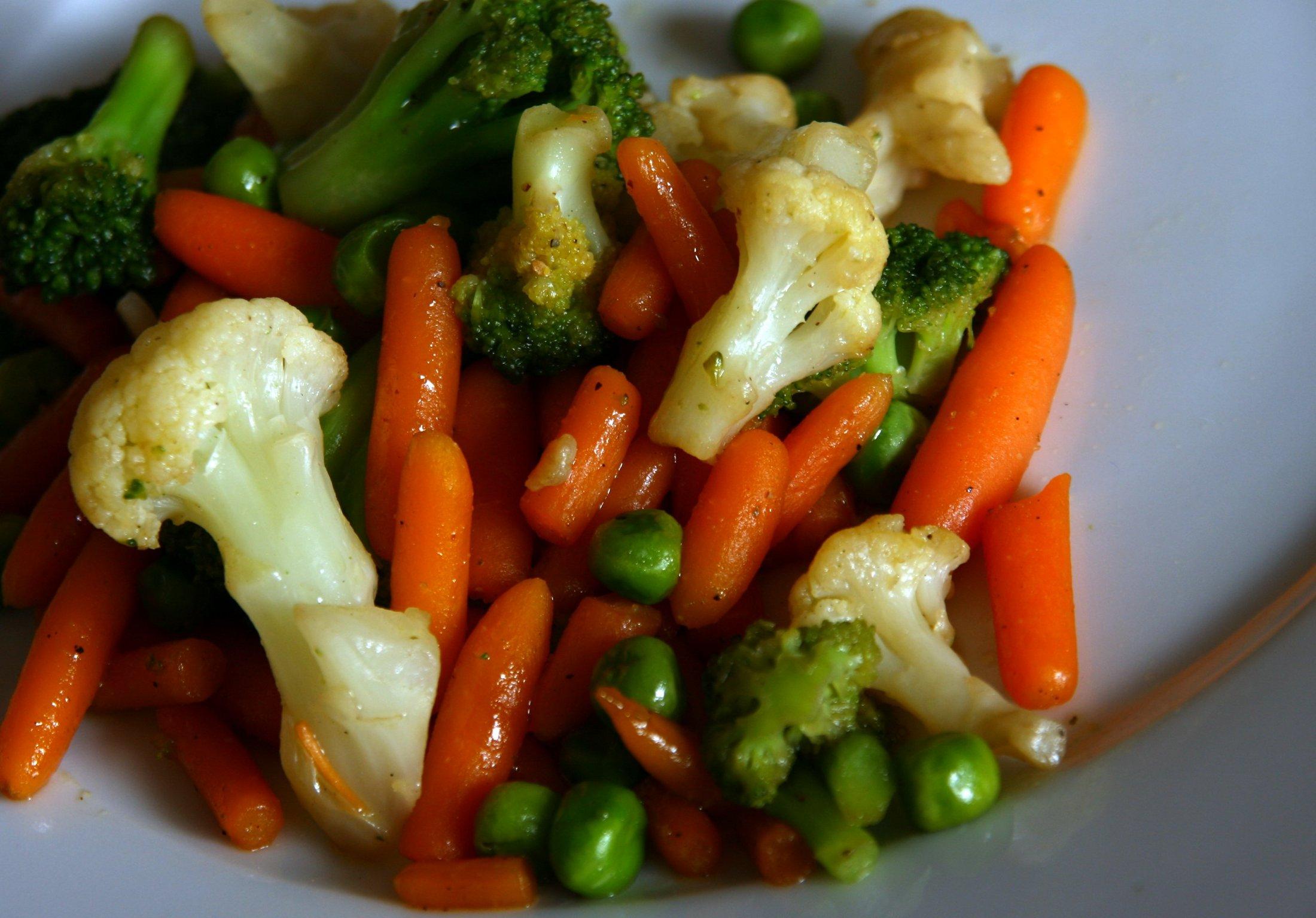 Restovaná máslová zelenina na worcesteru