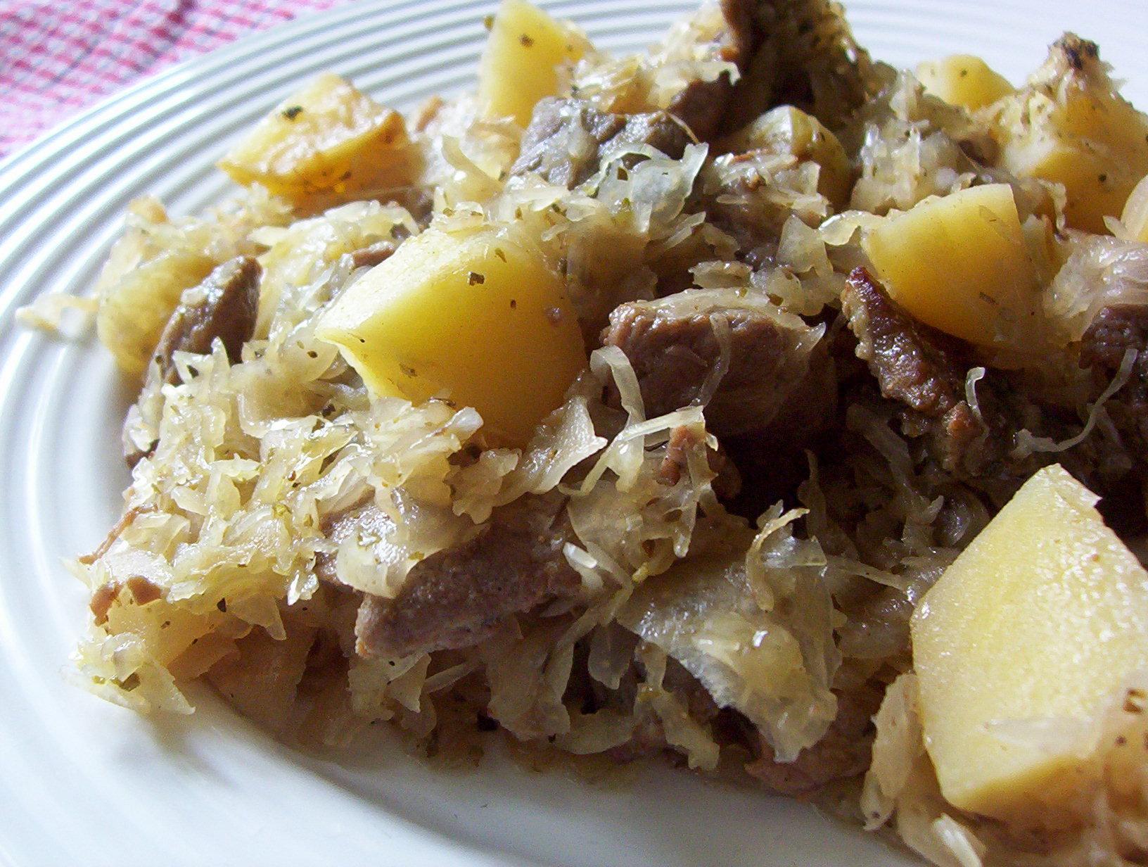 Fotografie receptu: Vepřové se zelím a bramborem