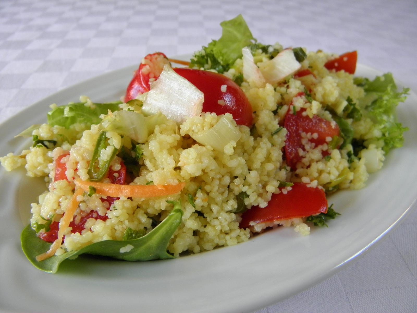 Salát z kuskusu a zeleniny