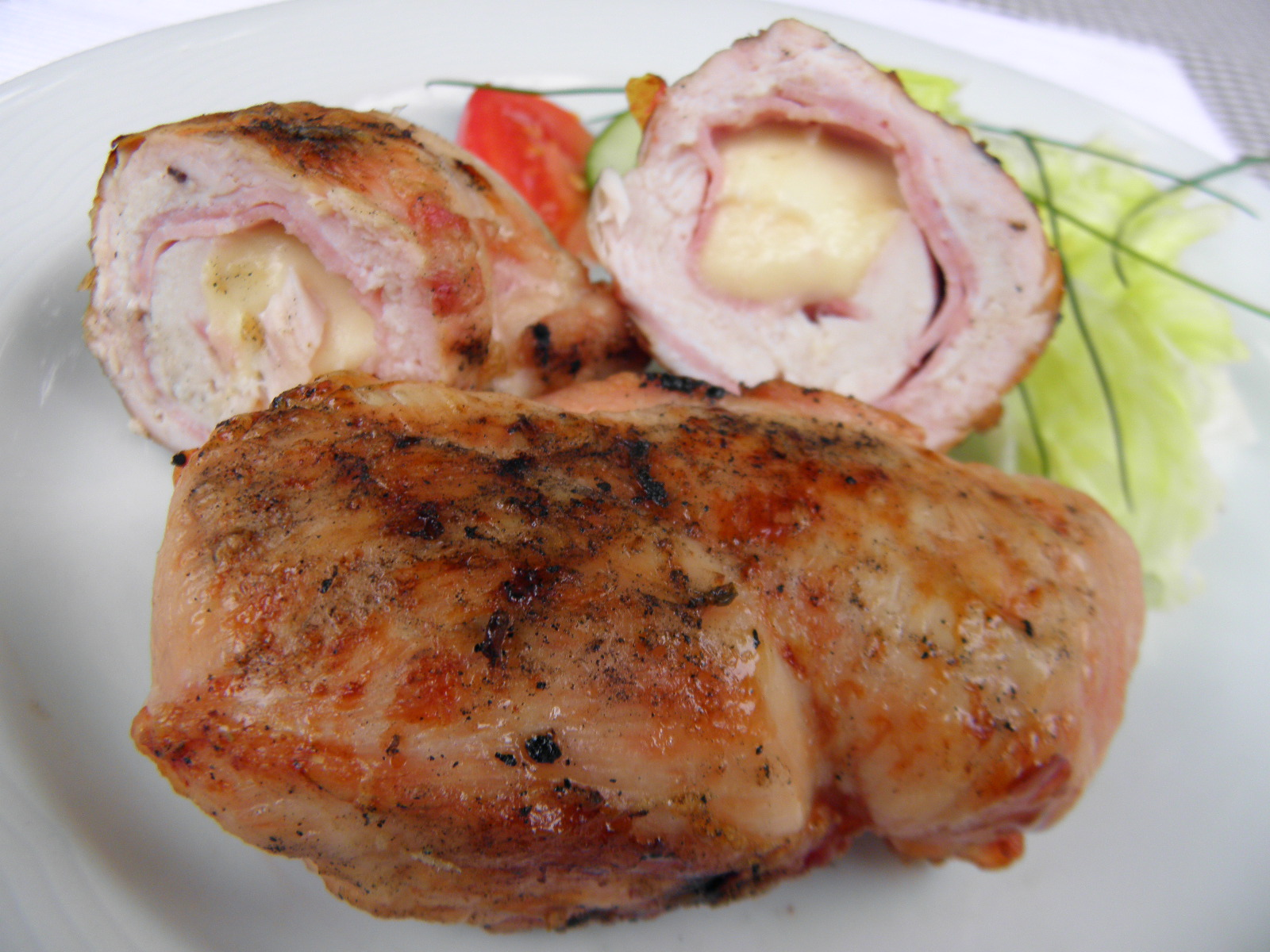 Fotografie receptu: Plněná kuřecí prsa na grilu
