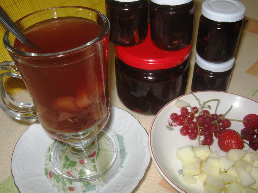 Pečený čaj z letního ovoce
