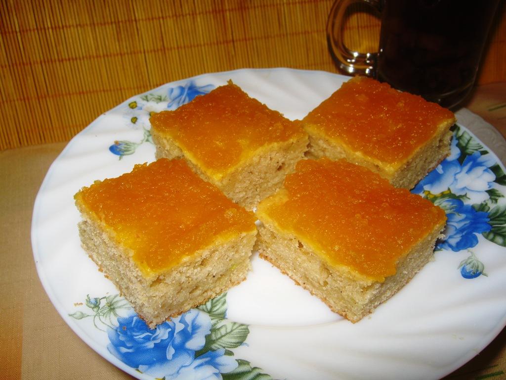 Cuketová buchta s marmeládou