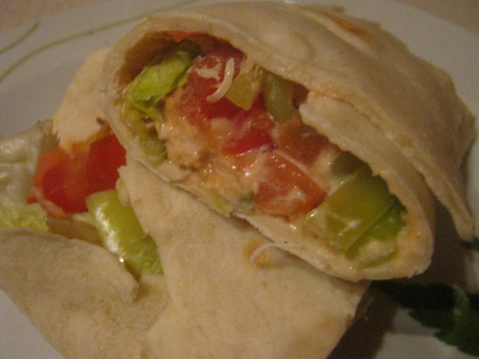 Plněné tortilly se salsou