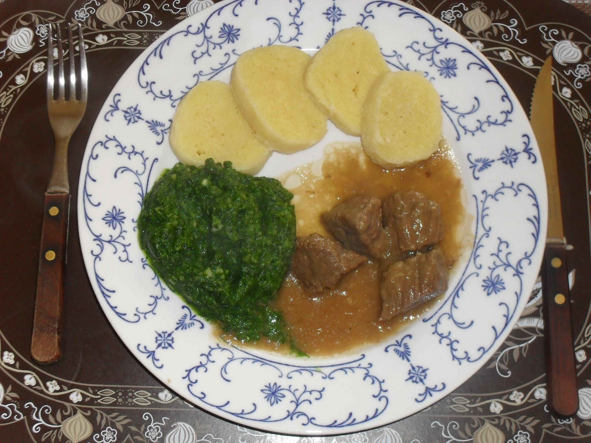 Fotografie receptu: Dušené hovězí na česneku