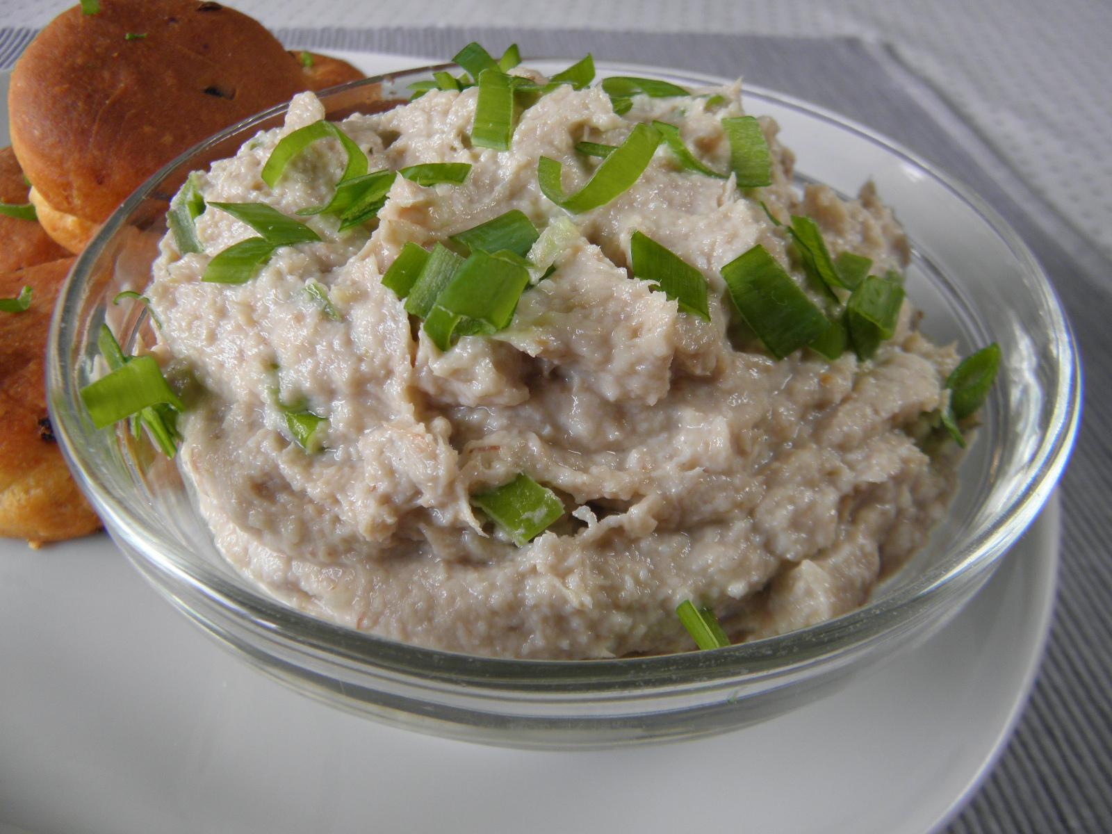 Tvarohovo-česneková pomazánka s makrelou