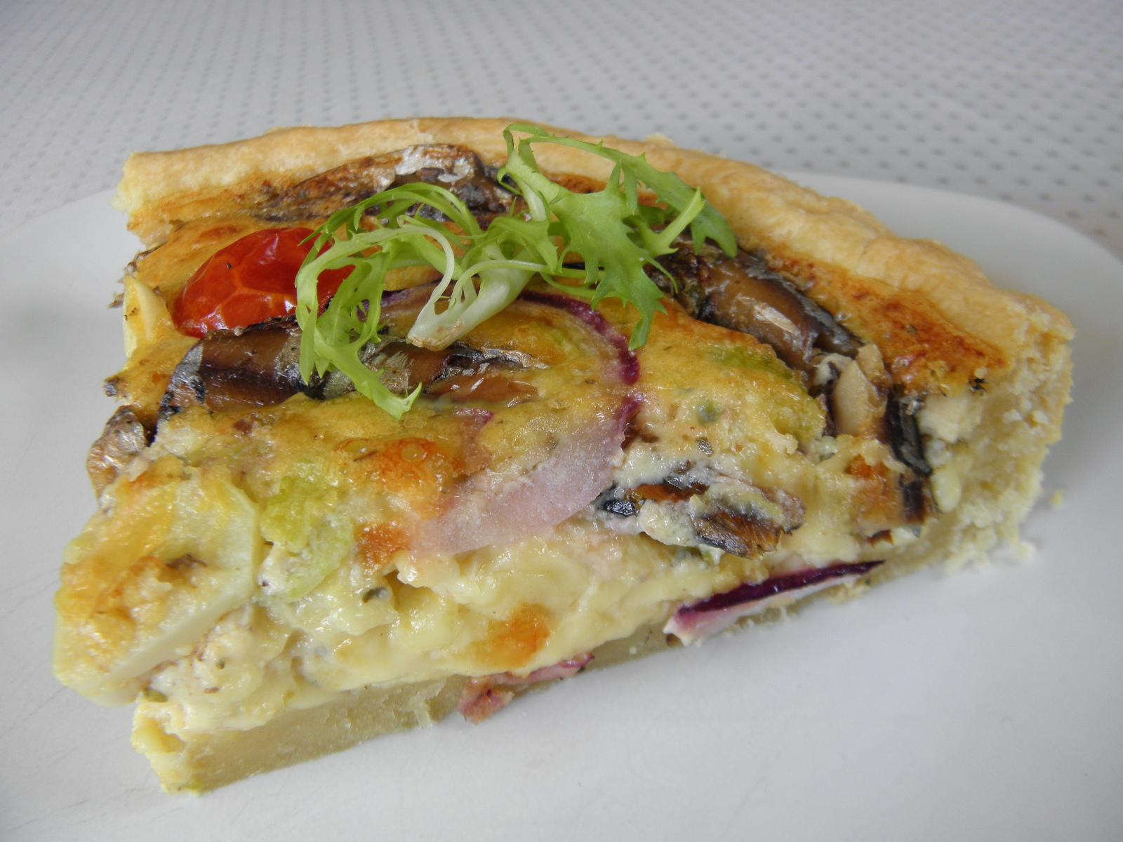 Fotografie receptu: Sýrový koláč se šproty