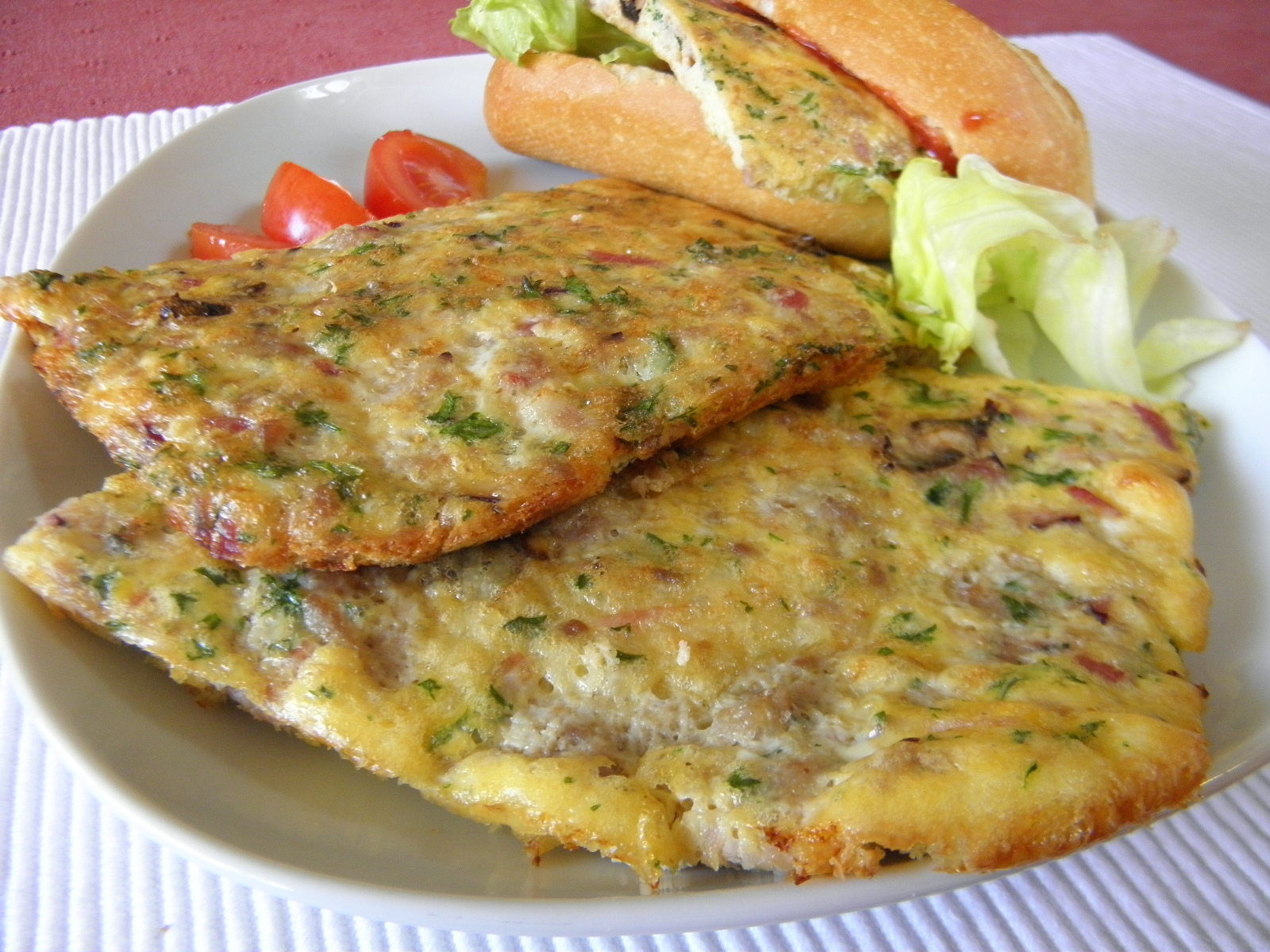 Pečená masová omeleta se sýrem
