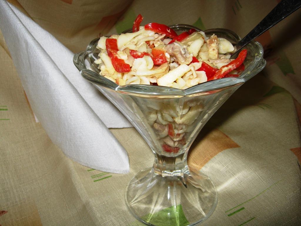 Fotografie receptu: Těstovinový salát s králičím masem