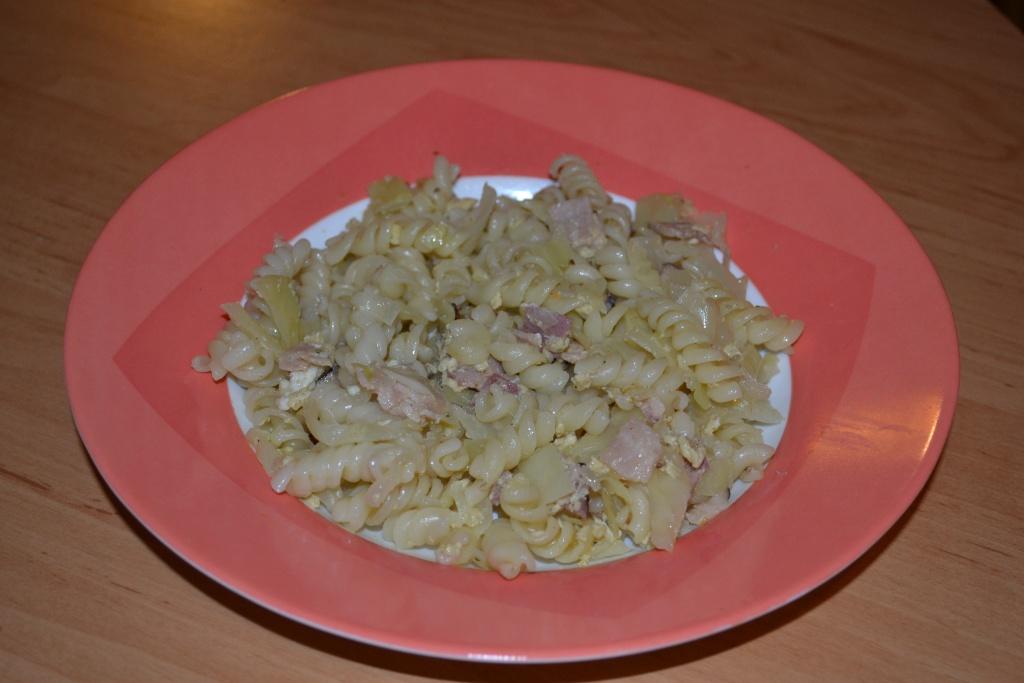Fotografie receptu: Těstoviny se zelím a slaninou