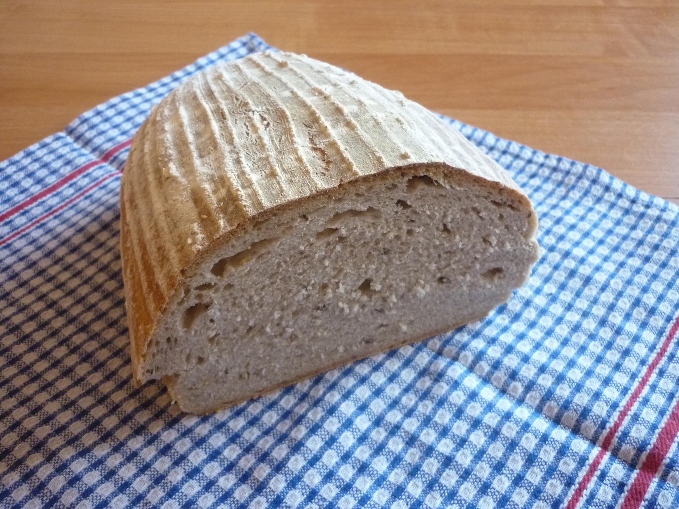 Fotografie receptu: Chléb z žitného kvásku