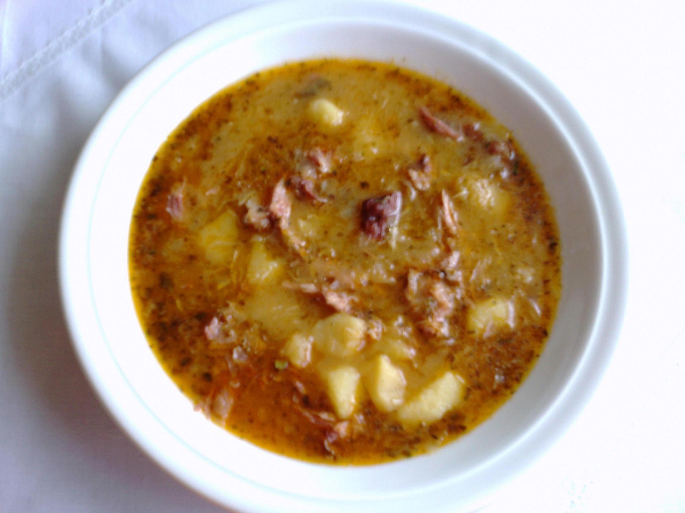 Fotografie receptu: Polévka z uzených kostí a zelí