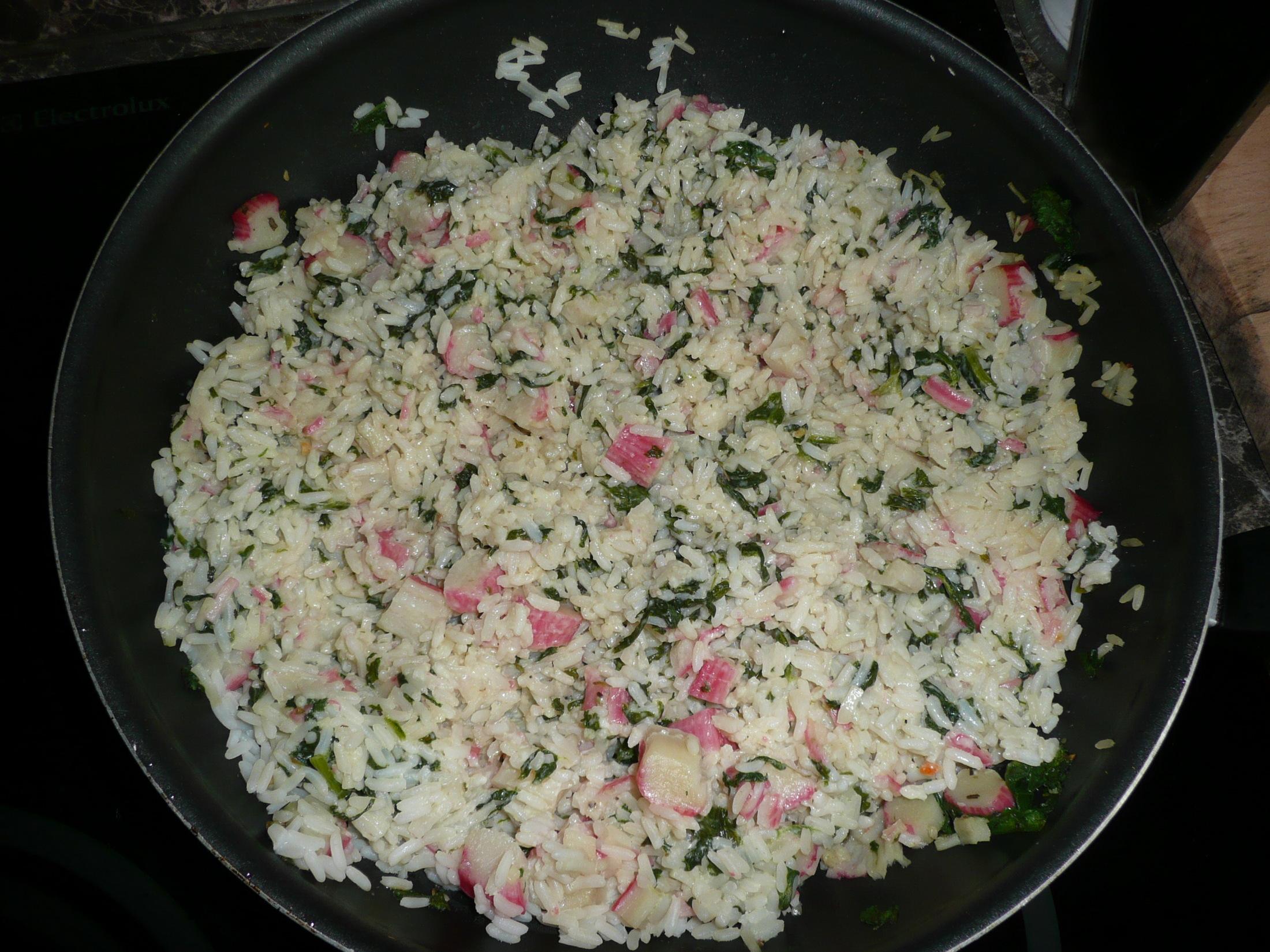 Fotografie receptu: Rizoto s čerstvým špenátem a krabími tyčinkami