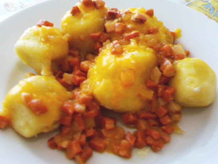 Sýrové plněné knedlíky
