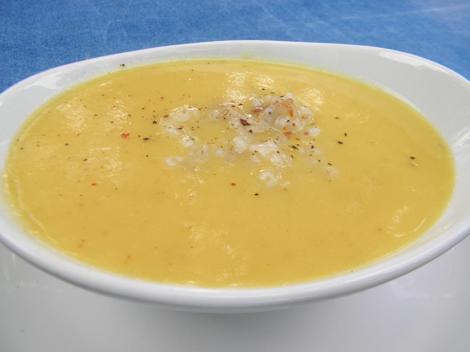 Fotografie receptu: Krémová bramboračka s kroupami