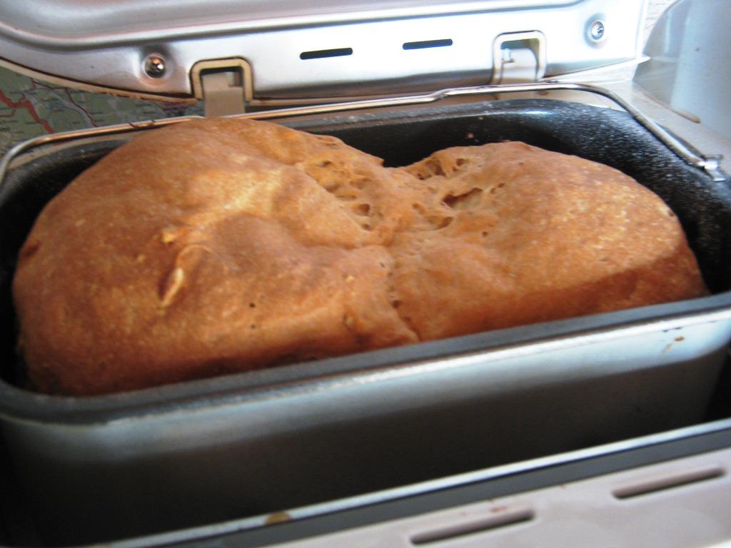 Velký kefírový chleba z domácí pekárny