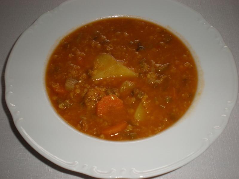 Indická polévka z červené čočky