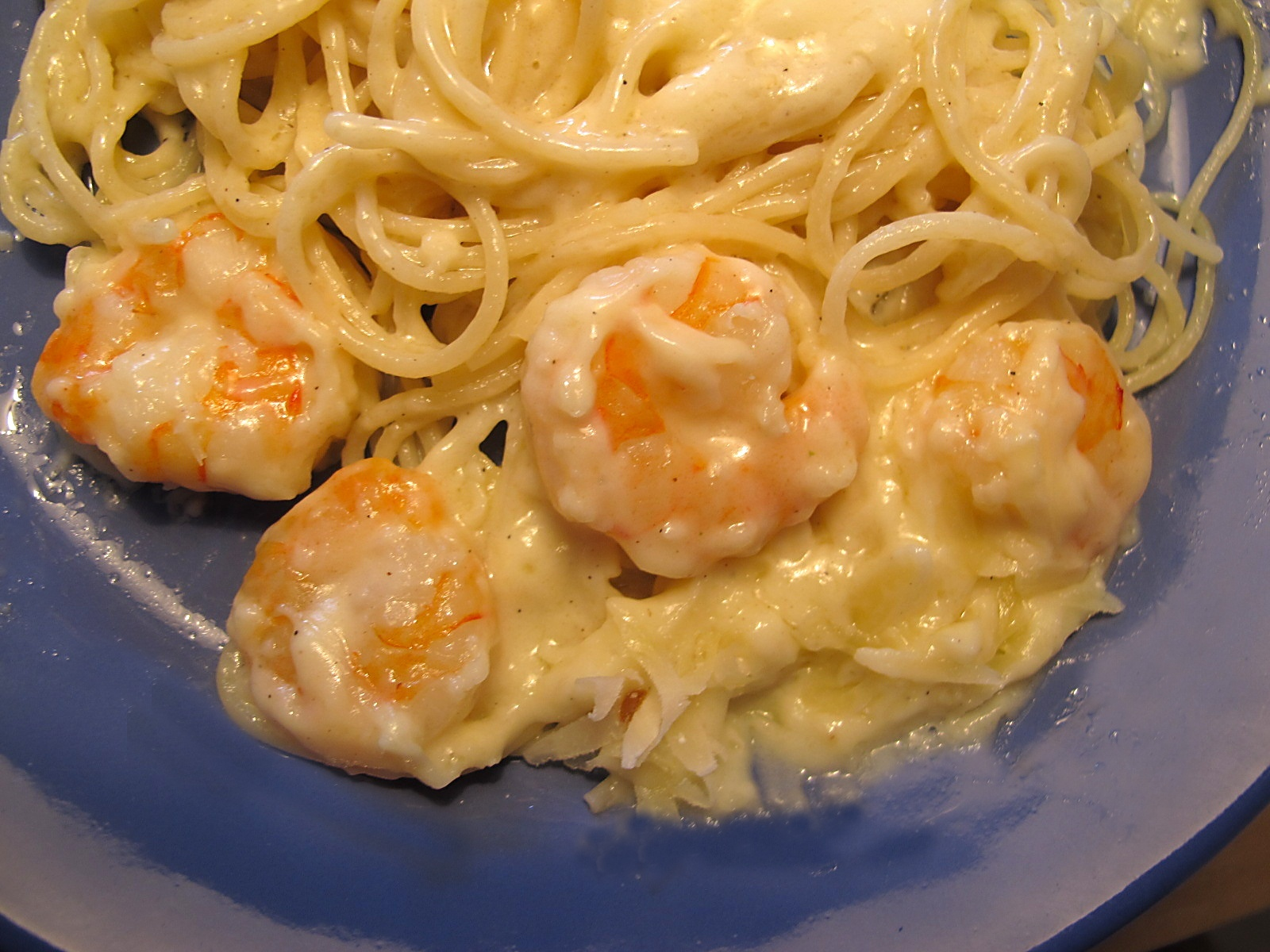 Fotografie receptu: Krevety s citronovo-smetanovou omáčkou